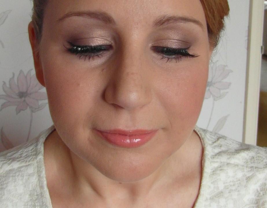 how to create a good makeup portfolio